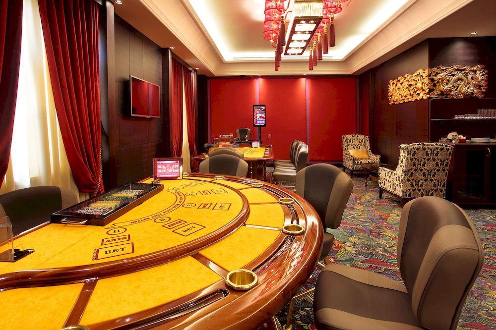 Відгуки про готелі Казино Рояль Лілія манга казино