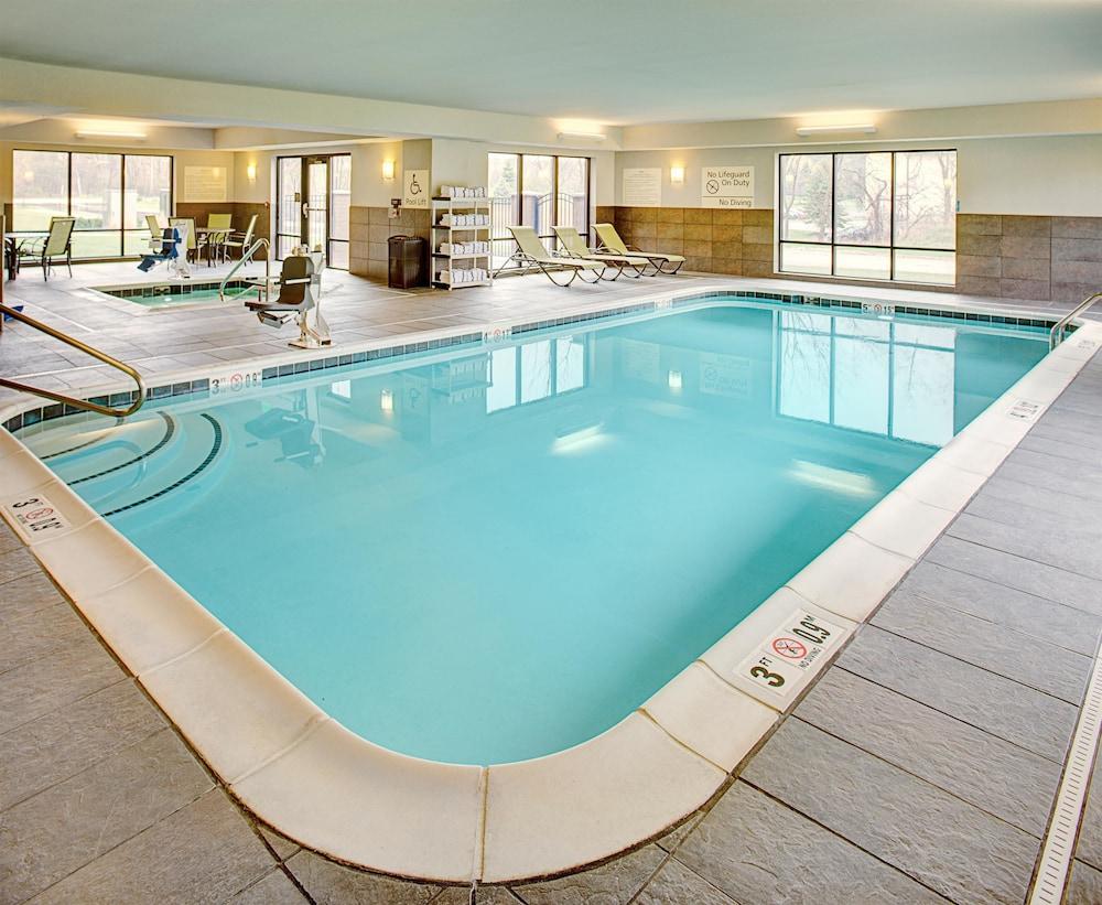 hotels hampton inn suites lansing west mi. Black Bedroom Furniture Sets. Home Design Ideas